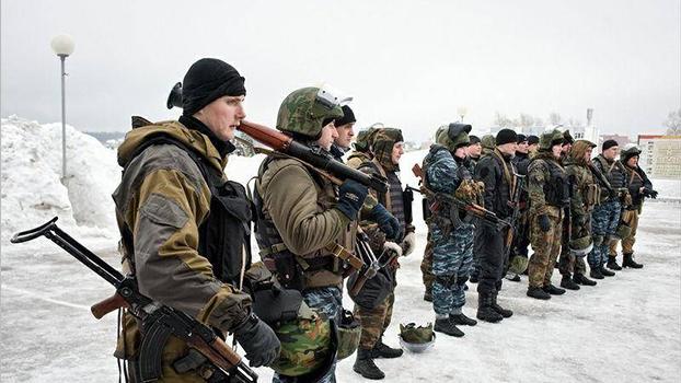 正在进行训练的俄罗斯特警(Public Domain)