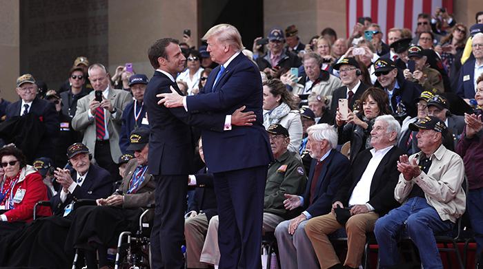 2019年6月6日,美国、法国等西方国家的领导人在法国出席诺曼底登陆七十五周年的纪念活动。(美联社)
