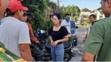 越南劳动网报道,警方突击一居民楼,发现21名中国籍人士。(越南媒体/乔龙提供)