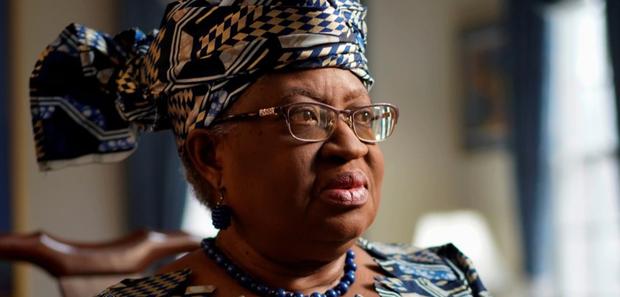 """新上任的世贸组织总干事恩戈齐·奥孔乔-伊韦阿拉伊韦阿拉(Ngozi Okonjo-Iweala)已公开表示,""""WTO的改革要避免让中国感到自己成为被大国针对的目标,这样中国可能会更有意愿配合。""""(路透社图片)"""