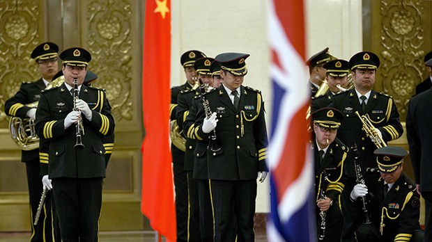 """近两百位英国科学家在""""非故意""""情况下为中国研发武器"""