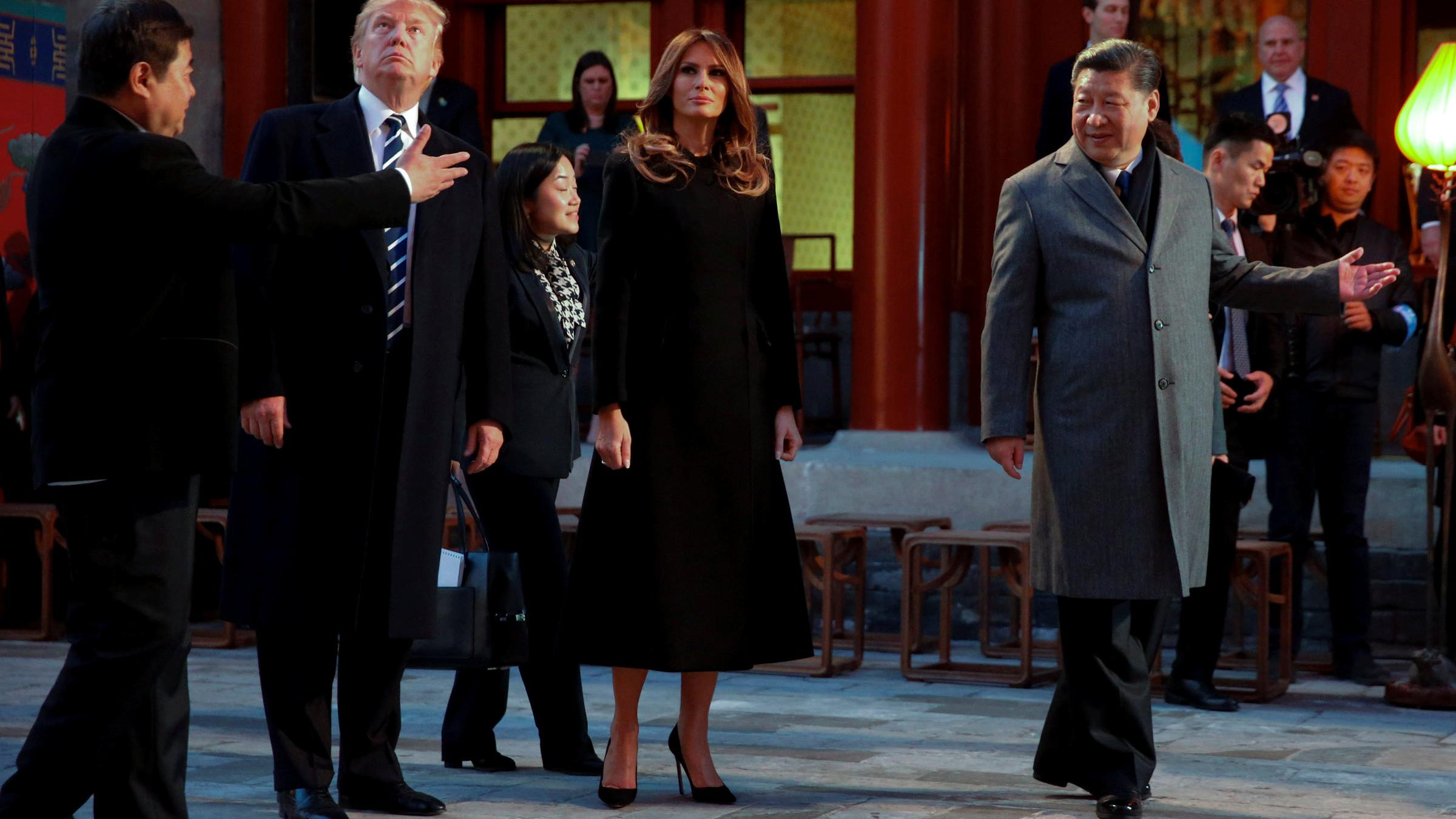 美國總統特朗普總統夫婦和中國國家主席習近平夫婦一起在紫禁城觀看京劇演出。(美聯社)
