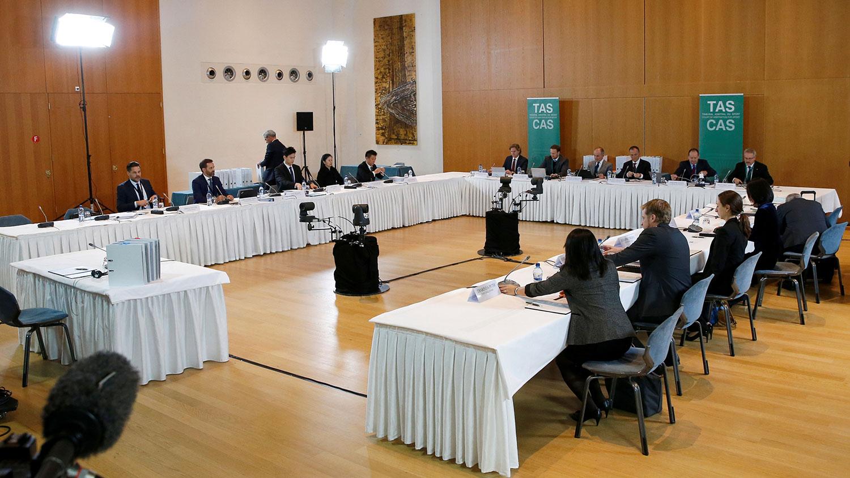 2019年11月15日,国际体育仲裁法庭(CAS)在瑞士蒙特勒举行世界反兴奋剂机构(WADA)诉中国游泳运动员孙杨和国际泳联(FINA)案的公开听证会。(路透社)
