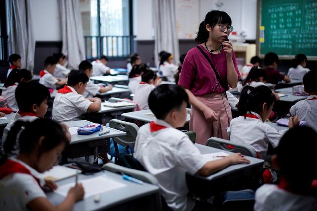 中国大陆小学校景。(路透)(photo:RFA)
