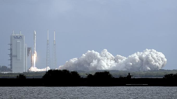 5月17日,美国联合发射联盟(ULA宣布当日上午在佛罗里达州空军基地成功发射了太空试验机X-37B。(美联社)