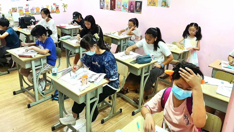上海也有校外培训机构被关闭。(志愿者提供/记者乔龙)