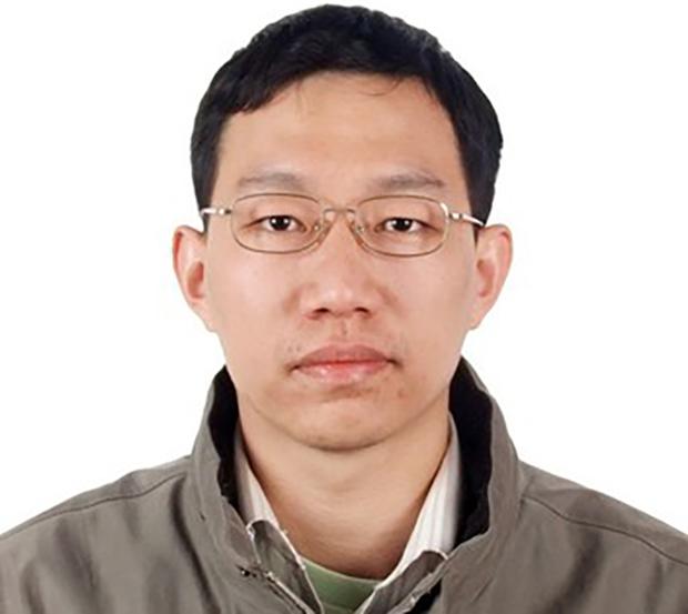 刺杀上海复旦大学数学学院党委书记王永珍的该校海归研究员姜文华(姜文华资料图)