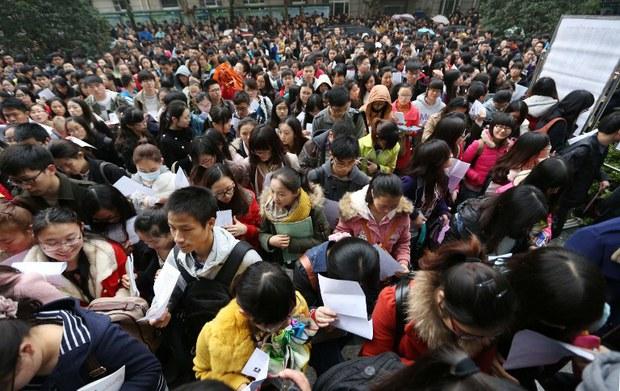 中国公务员大概八千万左右,比法国人口多2000万