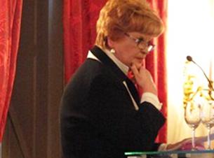 图片:委员会主席德雷瑟尔胡耶斯女士(Ms. Cisca Dresselhuys)女士在发言中,对倪玉兰表示高度赞赏,同时担忧倪玉兰的健康状况。(对华援助协会)