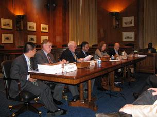 图片:美国国会行政中国事务委员会举行圆桌会议,关注中国人权律师现状(记者何平提供)