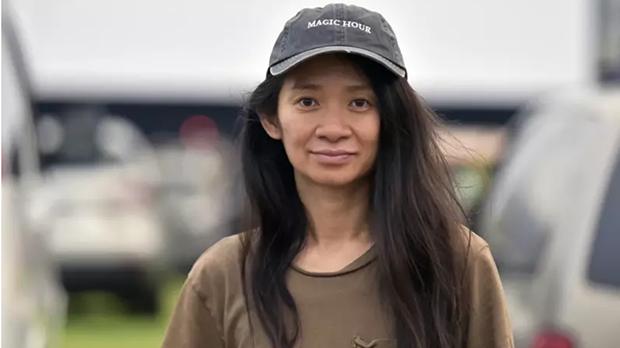 由出生于中国的赵婷(Chloe Zhao)执导的电影《无依之地》获得金球奖。图为赵婷出席在美国加州举行的《无依之地》放映活动。(美联社)