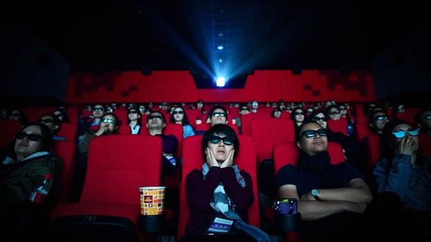 资料图片:一家正在放映的中国影院(法新社)