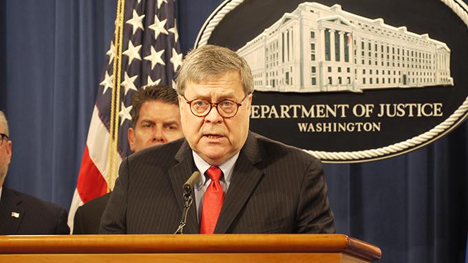 美国司法部长巴尔10日说,中国政府主导的骇客窃密会针对美国一般老百姓,规模惊人。(自由亚洲电台记者郑崇生华盛顿摄)