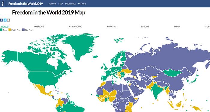 """非政府組織""""自由之家""""發佈的2019年世界自由狀況地圖。藍色部分爲不自由的的國家和地區。(自由之家)"""