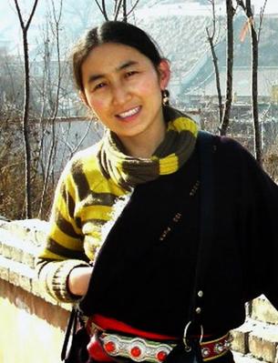 """图片:藏族作家唯色获2010年度""""新闻勇气奖"""",但政府拒发护照,无法赴纽约领奖(唯色博客/记者乔龙)"""