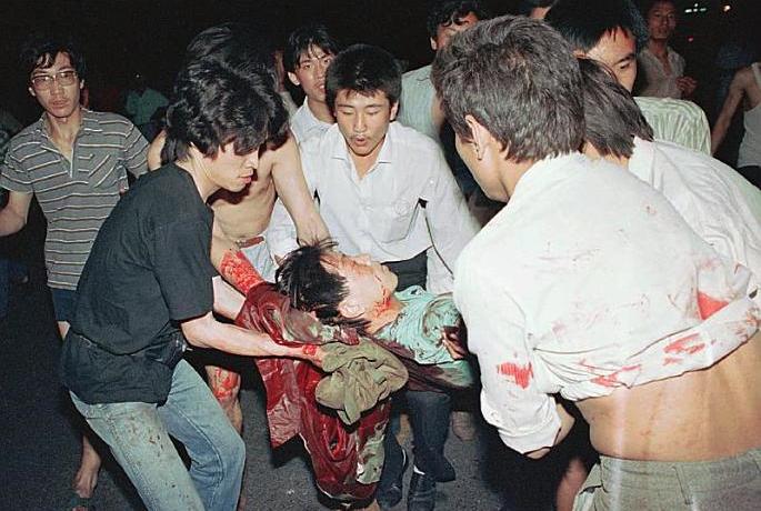 1989年六四事件,图为平民伤亡。(六四档案图)