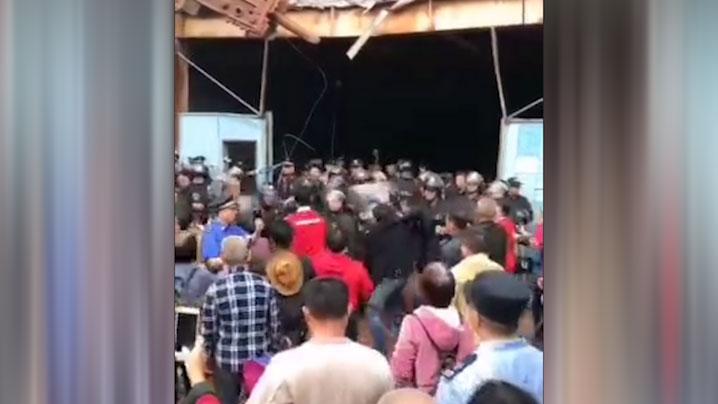 2019年4月17日,广州坦尾村的抗拆示威演变成警民冲突。(被访者独家提供)