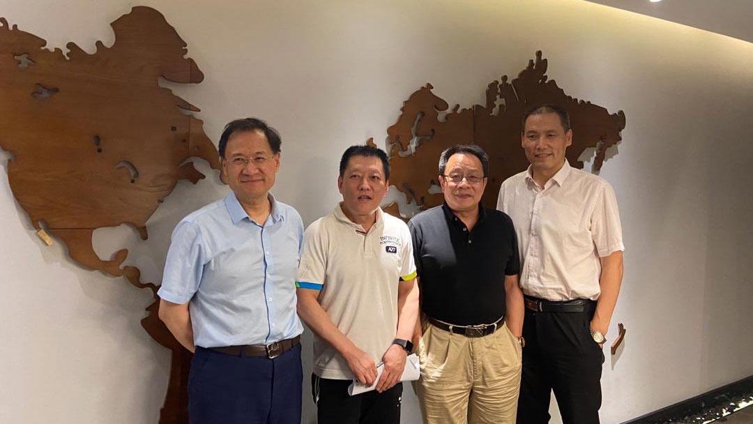许章润教授与原人权律师浦志强(右一),莫少平律师(右二)和尚宝军律师在一起。(推特图片)