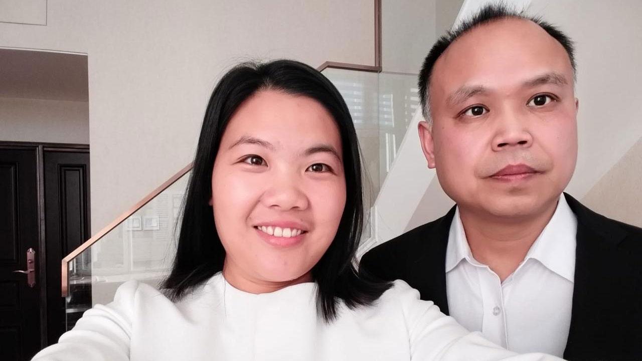 许艳(左)表示,日前接获法院来电,指不同意余文生取保候审。(资料照/受访者提供)