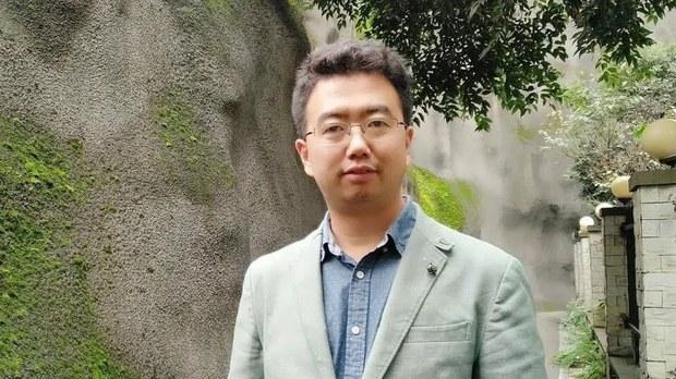"""陕西律师常玮平遭酷刑    父母以""""大字报""""抗议"""