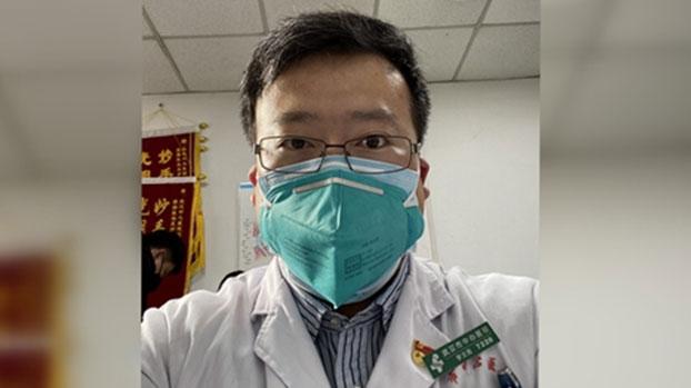 三十四岁的李文亮来自辽宁,是武汉市一家医院的眼科医生。(图源:财新网)