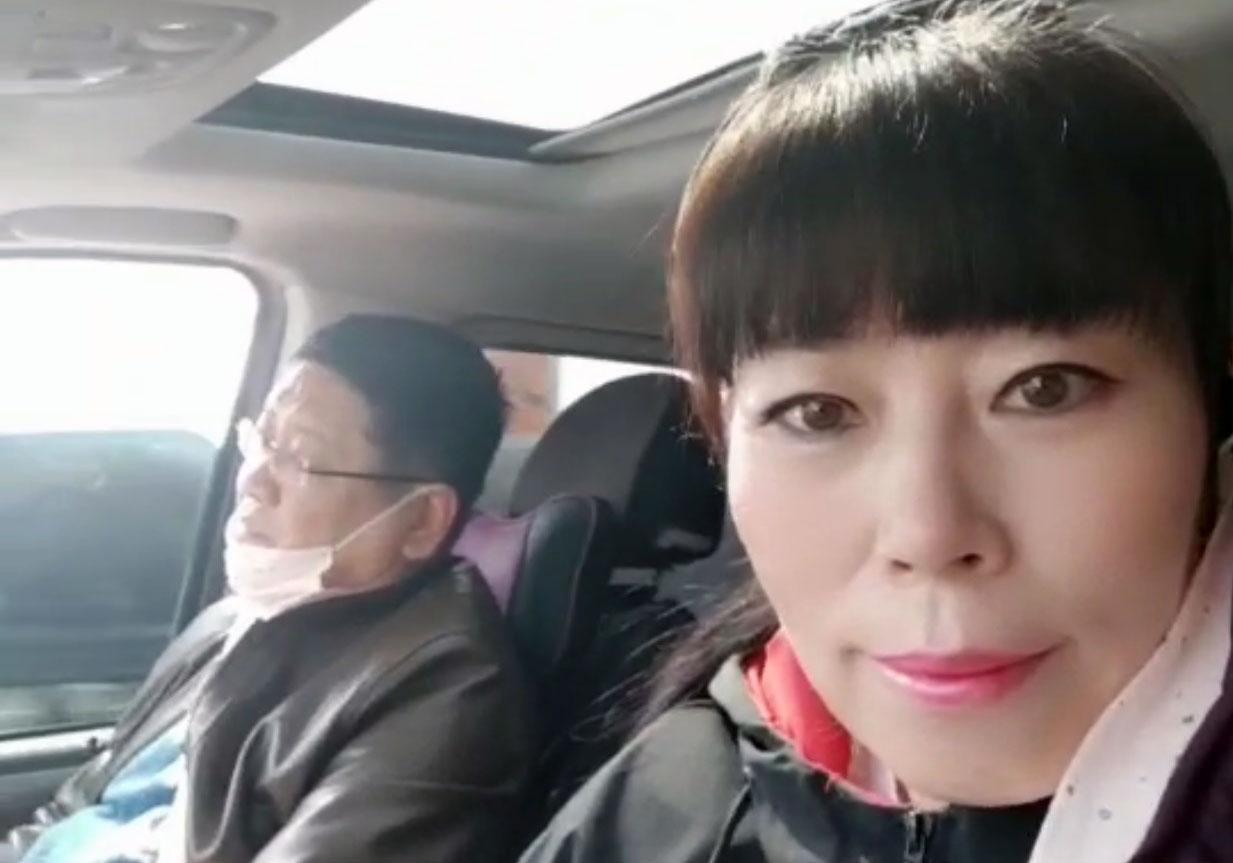 教会牧师赵怀国和妻子。(微信图片/记者乔龙)