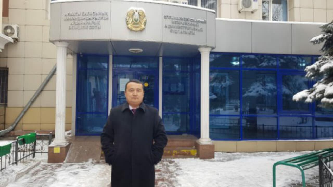 哈萨克斯坦阿塔珠尔特志愿者组织创办人赛尔克坚。(RFA资料图片/记者乔龙)