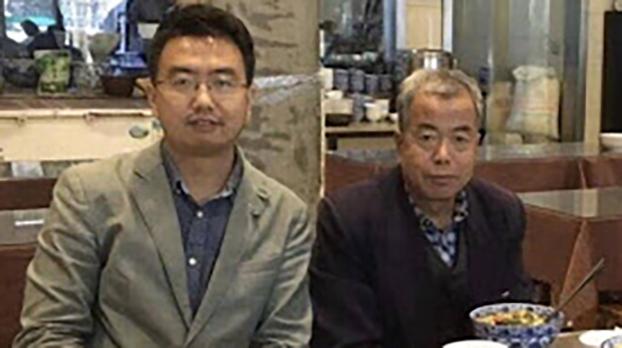 中国人权律师常玮平(左)与其父常拴明(维权网)