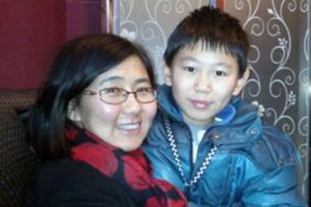 王宇和儿子包蒙蒙.jpg