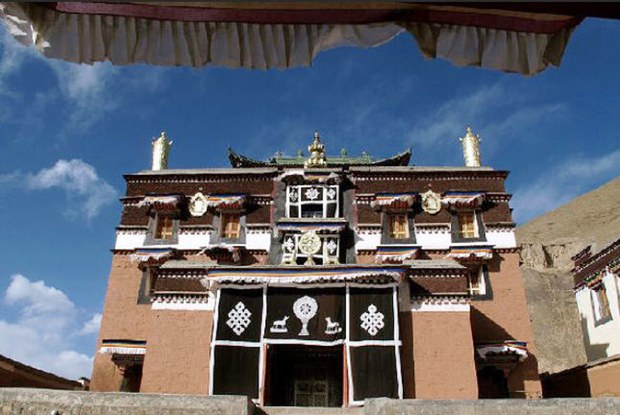 Bora-monastery-Sangchu-County.JPG