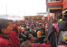 Tibetans-gathered-to-demand-the-release-of-Khenpo-Kartse.JPG