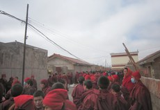 Tibetans-in-Nangchen-protest-for-Khenpo's-release-02.JPG