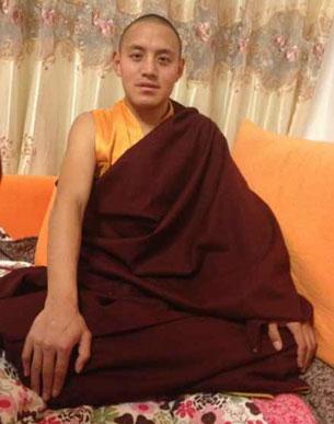 图片:25岁的竹泽流亡前是四川甘孜州色达县洛若乡甲修寺僧人。(受访人提供)