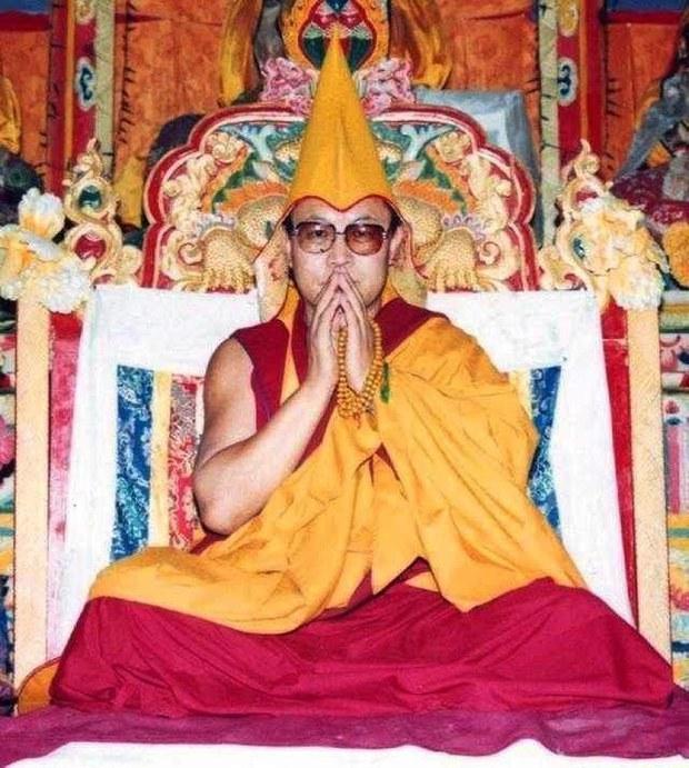 Tenzin-Delek-Rinpoche01.jpg