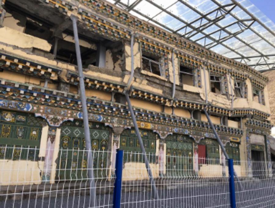 玉树地震留下的建筑残骸 (产经新闻/消息人士提供)