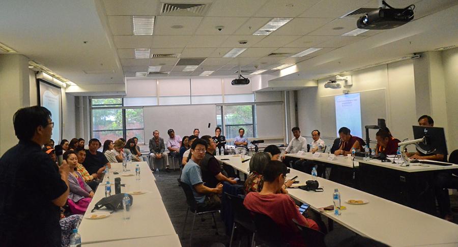 旅澳中国民运人士依次在会上发言及提问(记者丹珍摄)