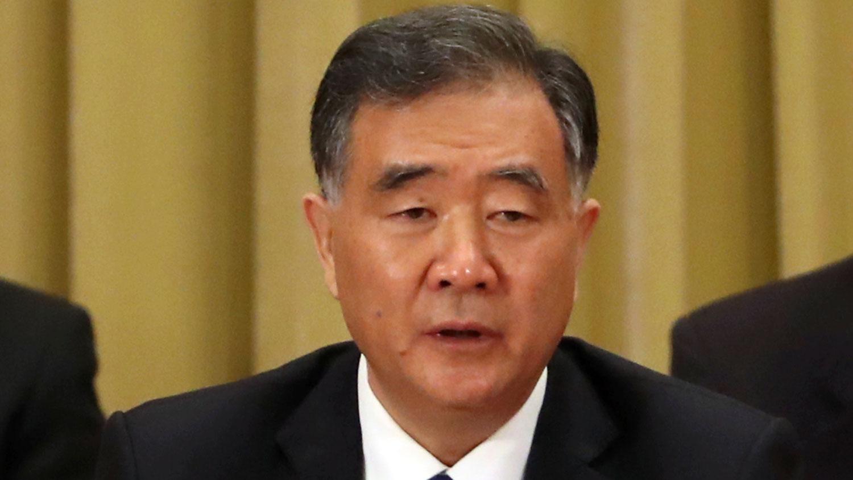 中国全国政协主席汪洋汪洋鼓吹西藏全面普及汉字和普通话,使人关注当地藏语文教育面临的困境。(资料图/AP)