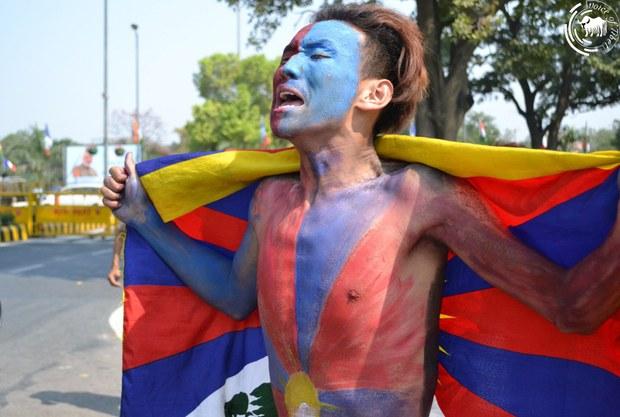 西藏流亡民众抗议中国镇压抗暴62周年(西藏之声)