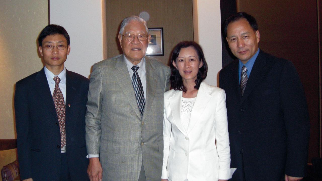 达瓦才仁曾在李登辉前总统卸任后前往拜访,感念他对西藏人所做一切。(达赖喇嘛西藏宗教基金会提供)