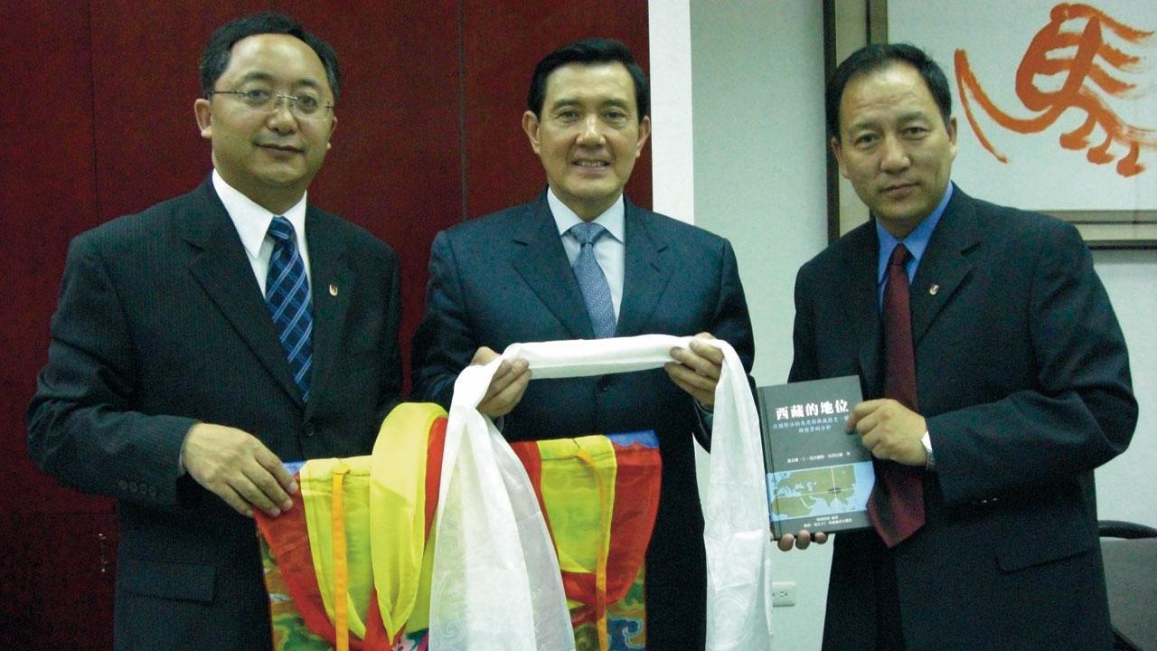 二零零八年四月马英九任台北市长时接见达瓦才仁。(达赖喇嘛西藏宗教基金会提供)