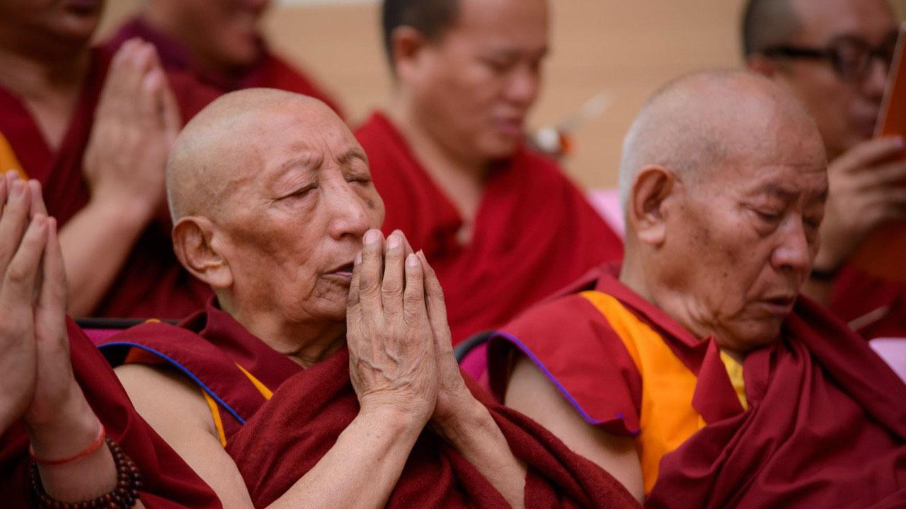 强巴加措鼓励佛教徒要关心社会,多思考多讨论,不是只求神念经,才能真正理解佛法。(Artemas Liu摄、达赖喇嘛西藏宗教基金会提供)