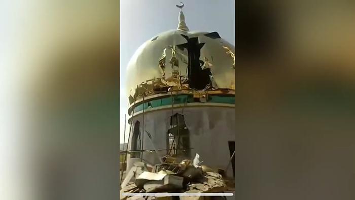 资料图片:甘肃临夏折桥镇尕庄清真寺遭到暴力强拆(视频截图)
