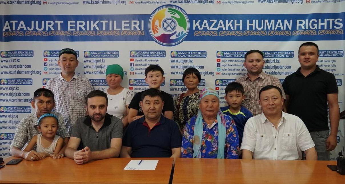阿塔珠尔特志愿者组织致力帮助新疆少数民族。(志愿者提供/记者乔龙)
