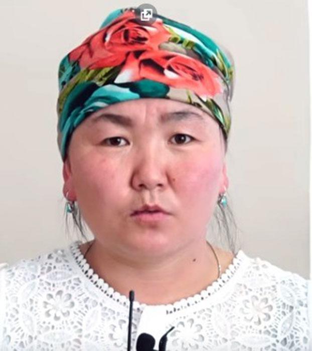 哈国公民古丽滋拉.阿吾叶里汗回新疆探亲,被关再教育营19个月。(阿塔珠尔特志愿者提供)