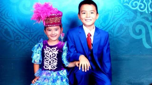 巴给拉的两个孩子。(家属提供/记者乔龙)