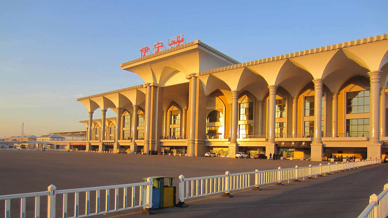 伊犁哈萨克自治州首府伊宁市。(维基百科)