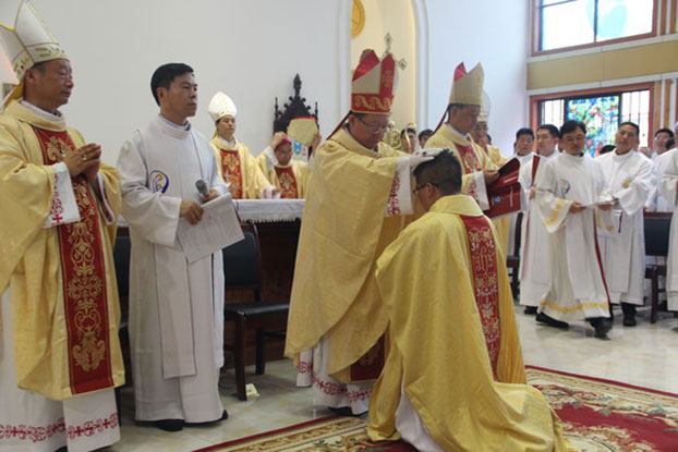 2019年8月28日,陕西省天主教汉中教区胥红伟助理主教祝圣典礼在汉中教区主教座堂举行。(图源:中国天主教网)