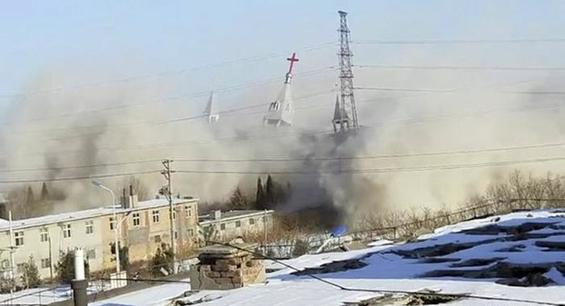 2018年初,中国山西金灯台教堂被政府整幢拆除。(AP)