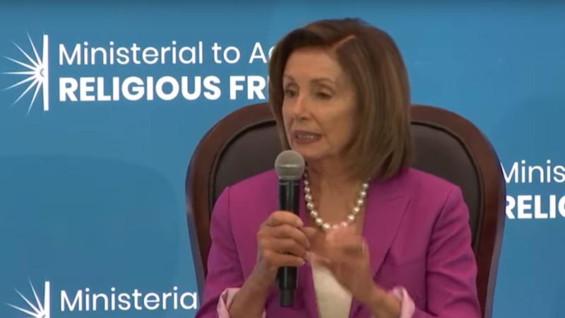 美国国会众议院议长南希·佩洛西在会议上讲话 (视频截图/美国国务院)