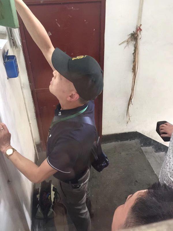 廖强表示,有教友家被强拆水表逼迫搬家。(廖强提供)